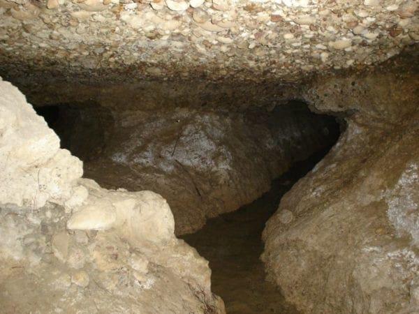 Σπήλαιο με σταλακτίτες στη νότια Ρόδο- Άλλη μια ανεκμετάλλευτη κρυφή ομορφιά της Ρόδου