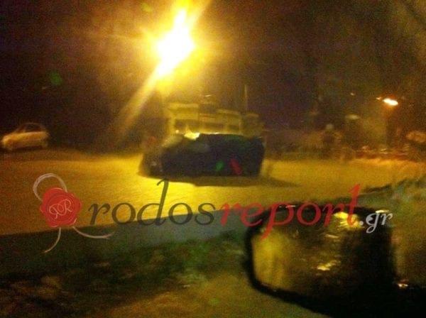 Ακινητοποιούνται οχήματα από την ισχυρή καταιγίδα στ' Αφάντου – Κλειστός ο δρόμος – Φωτορεπορτάζ