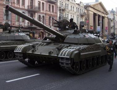 Με επέμβαση των ενόπλων δυνάμεων προειδοποιεί ο ουκρανικός Στρατός