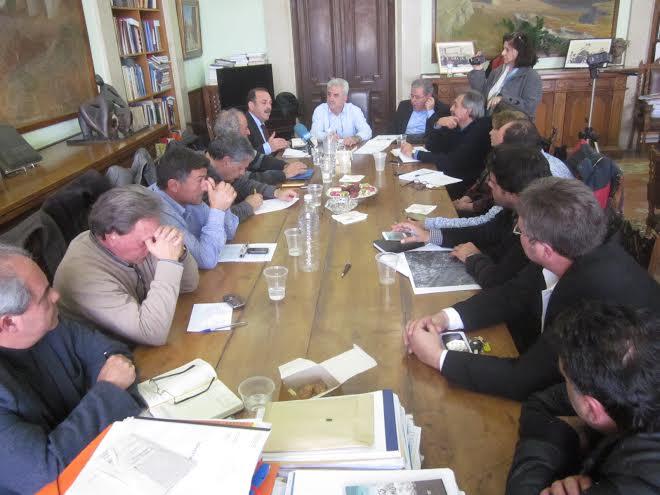 Σύσκεψη για τα αντιπλημμυρικά  έργα που θα γίνουν στη Ρόδο