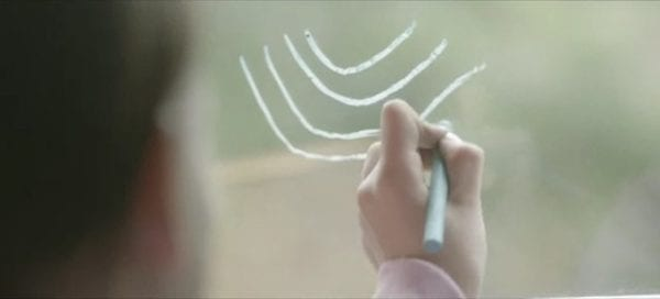 Μια απλή χειρονομία κάνει την διαφορά – Ένα συγκινητικό βίντεο !
