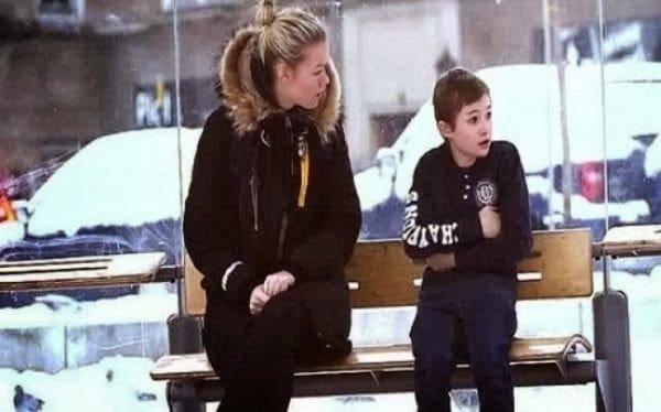 Εσείς τι θα κάνατε αν βλέπατε ένα παιδάκι στο κρύο χωρίς μπουφάν…;