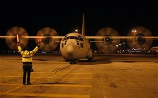 Στην Κεφαλονιά C-130 με σκηνές και είδη πρώτης ανάγκης
