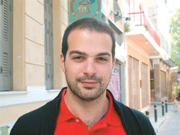 Ο υποψήφιος Δήμαρχος Αθήνας απο την Νίσυρο ..που έβριζε την Αστυνομία