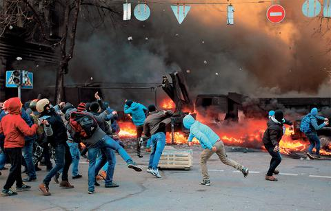 Αίμα και χάος στην Ουκρανία, πάνω από 15 νεκροί και δεκάδες τραυματίες