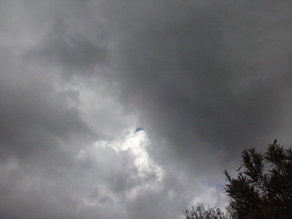 Άρχισε να βρέχει σε περιοχές της Ρόδου – Αναλυτικά ο καιρός για σήμερα