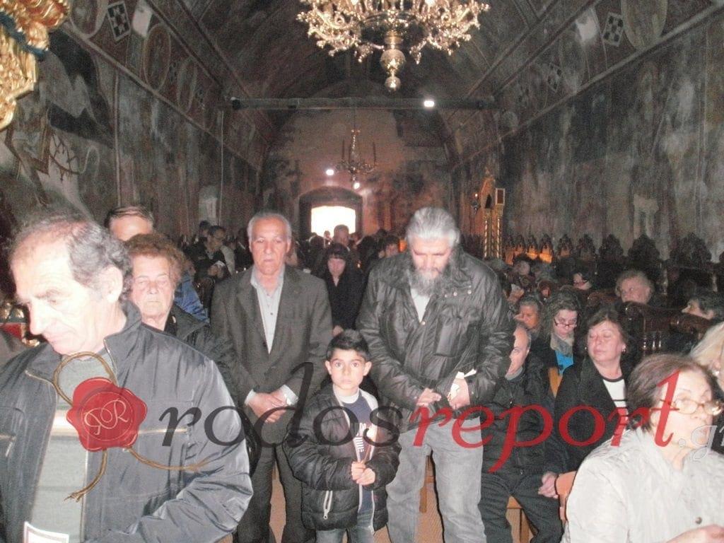 Πλημμύρισε από κόσμο η Ιερά Μονή Θάρρι στους Β' Χαιρετισμούς – Φωτογραφίες