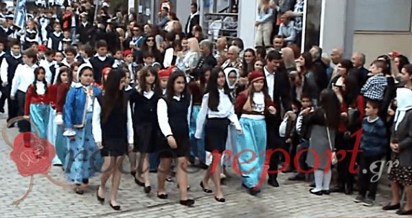 Βίντεο : Με καθυστέρηση ξεκίνησε η παρέλαση στον Αρχάγγελο Ρόδου