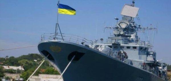 Στην … Σούδα (!) της Κρήτης σήκωσε την σημαία της επανάστασης η ουκρανική ναυαρχίδα