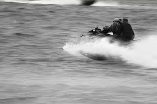 Καταδίωξη τα ξημερώματα στην Κω – Διακινητής μετέφερε παράνομους μετανάστες με Jet ski