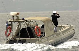 Μια έγκυος γυναίκα ανάμεσα στους μετανάστες που διασώθηκαν στη Μεγίστη – Έβαλε νερά το σκάφος τους