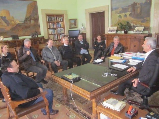 Συνάντηση του Περιφερειάρχη Ν. Αιγαίου με τη διοίκηση της ομάδας μπάσκετ του Κολοσσού