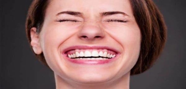 Το γέλιο δρα όπως ο διαλογισμός στον εγκέφαλο