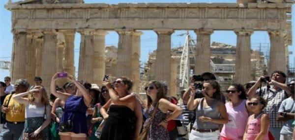 Ακυρώνουν μαζικά οι Ρώσοι τουρίστες λόγω κυρώσεων από ΕΕ – Ζημιά άνω των 400 εκ. ευρώ…