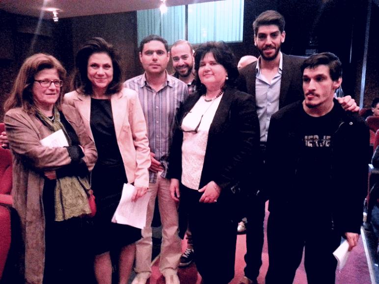 Εκτός από τα μέλη του Ομίλου, διακρίνονται από αριστερά οι κυρίες: Πωλ Ροσσετώ, Λουίζα Καραπιδάκη και Μαρία Ανδρουλάκη