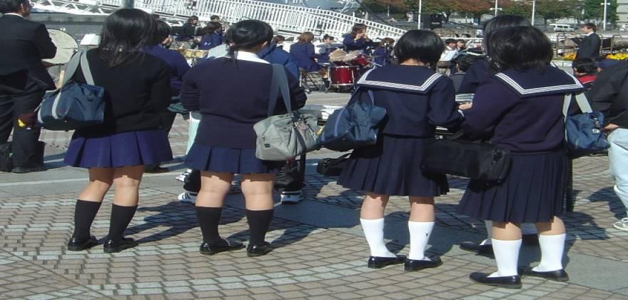 Japanese_school_uniform