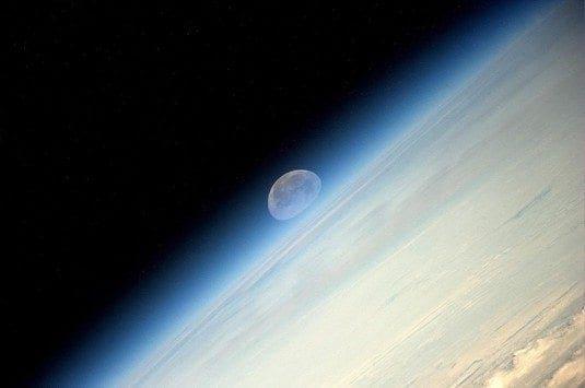 moon1_535_355