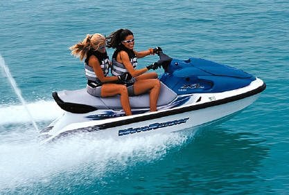 worlds-fastest-jet-ski-water-race-racing-girl