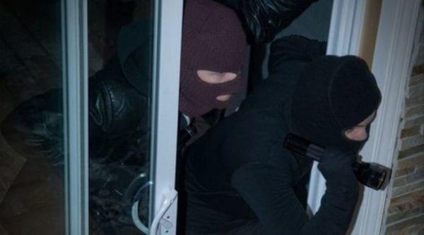 Ρόδος: Έκλεβαν το σπίτι με τους ενοίκους μέσα