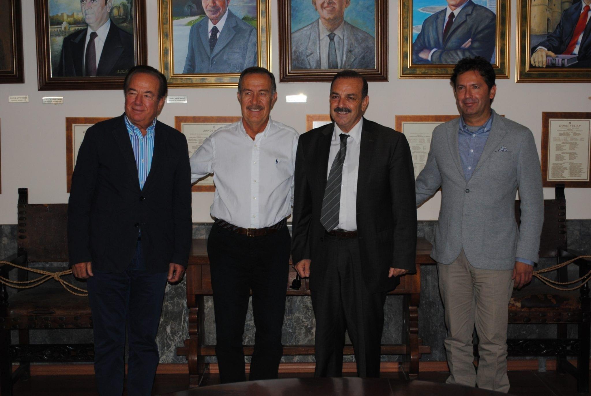 Δήμαρχος- πρέσβης & Τούρκοι επιχειρηματίες-1