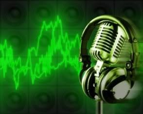 microphone-with-headphones_id621612