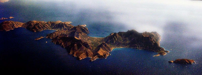 800px-Tilos-from-above2