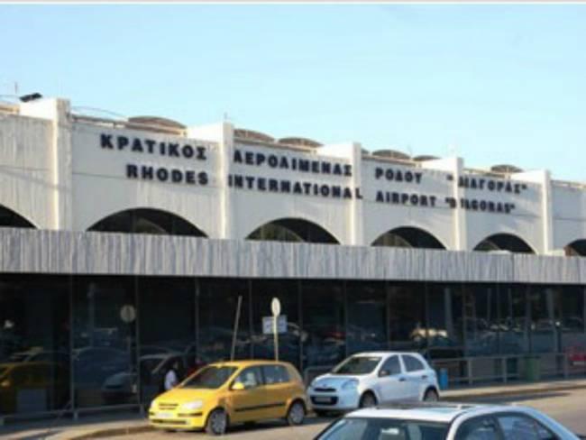 Προσπάθησαν να ταξιδέψουν παράνομα από το αεροδρόμιο Ρόδου και συνελήφθησαν