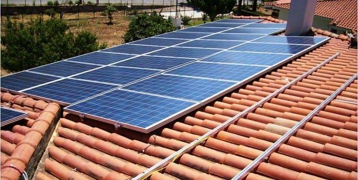 greenpeace-fotovoltaika-rodos-126046-696x350