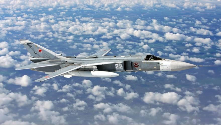 Sukhoi_Su-24_inflight_Mishin_0