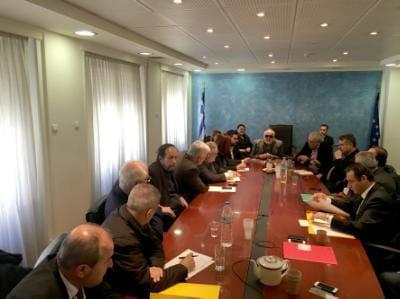 Οι  υπουργοί, Εσωτερικών και Διοικητικής Ανασυγκρότησης Παναγιώτης Κουρουμπλής (Κ) και Πολιτισμού και Αθλητισμού Αριστείδης Μπαλτάς  (5Δ) συμμετέχουν σε ευρεία σύσκεψη με θέμα την διαδικασία ανάδειξης της πόλης  που θα διεκδικήσει τον τίτλο της Πολιτιστικής πρωτεύουσας της Ευρώπης για το 2021,  τη Δευτέρα 21 Δεκεμβρίου 2015, στο Υπουργείο Εσωτερικών. Στη συνάντηση συμμετείχαν οι Δήμαρχοι των υποψηφίων πόλεων και υπηρεσιακοί φορείς των δύο Υπουργείων.  ΑΠΕ-ΜΠΕ/ΓΡΑΦΕΙΟ ΤΥΠΟΥ ΥΠΕΣΔΑ/STR