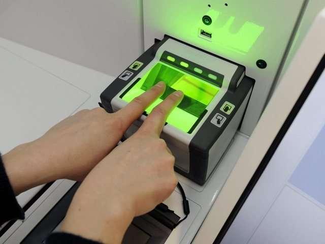 Die-Eurodac-Datenbank-erhaelt-unter-anderem-Fingerabdruecke-von-Personen-die-einen-Asylantrag-gestellt-haben-Symbolbild-