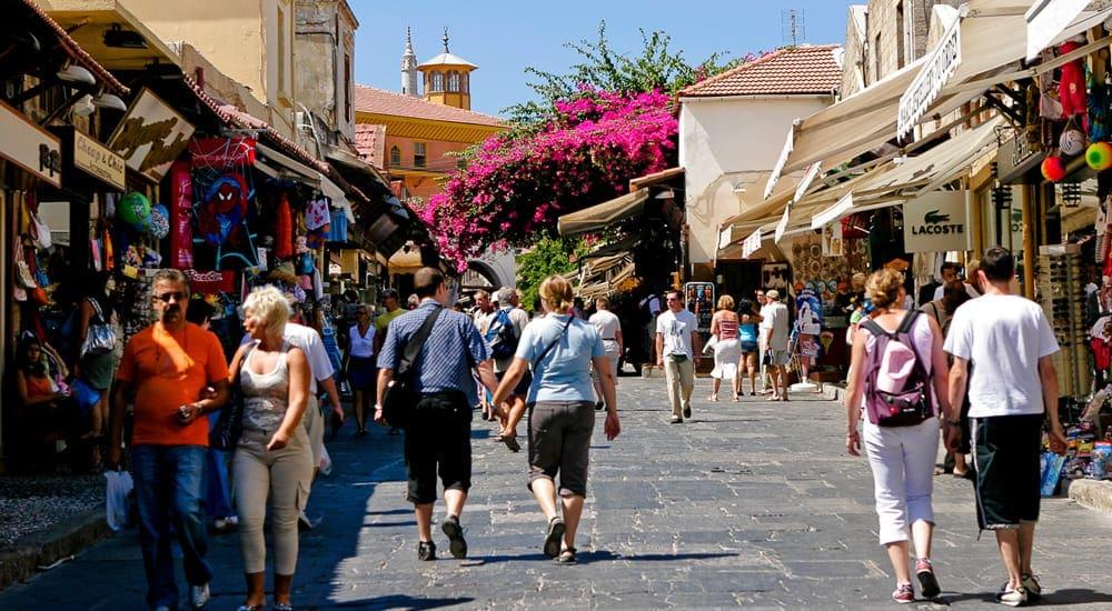 Επιμήκυνση της σαιζόν για τους Ρώσους τουρίστες επιδιώκει η ΤΕΖ ΤOUR Ελλάς, σε συνάντηση που είχε με το Δήμαρχο Ρόδου