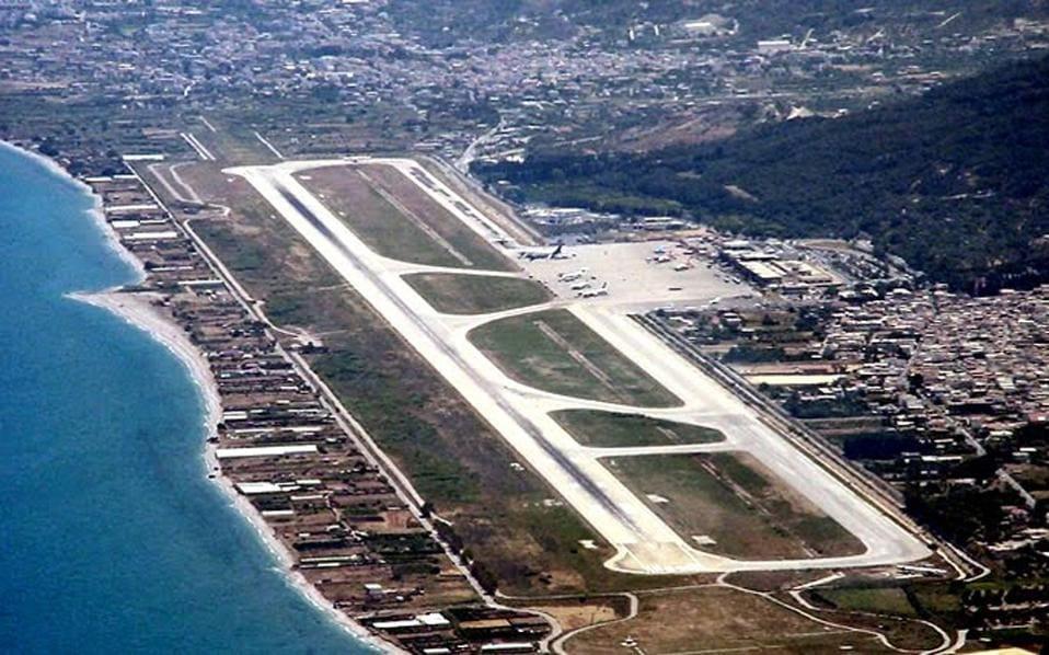 Συνελήφθησαν στο αεροδρόμιο της Ρόδου 6 αλλοδαποί που προσπάθησαν να επιβιβαστούν παράνομα σε πτήσεις εξωτερικού