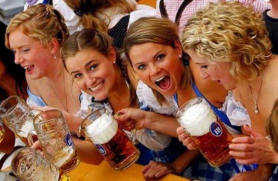 german_tourists_633953964