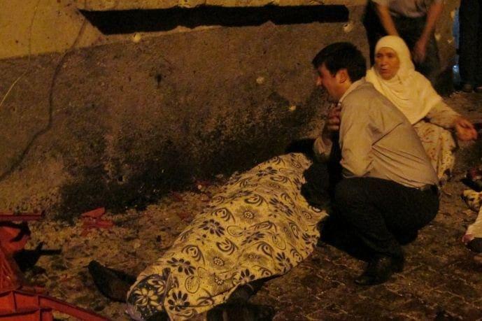 Λουτρό αίματος σε γάμο της Τουρκίας με άρωμα τρομοκρατίας