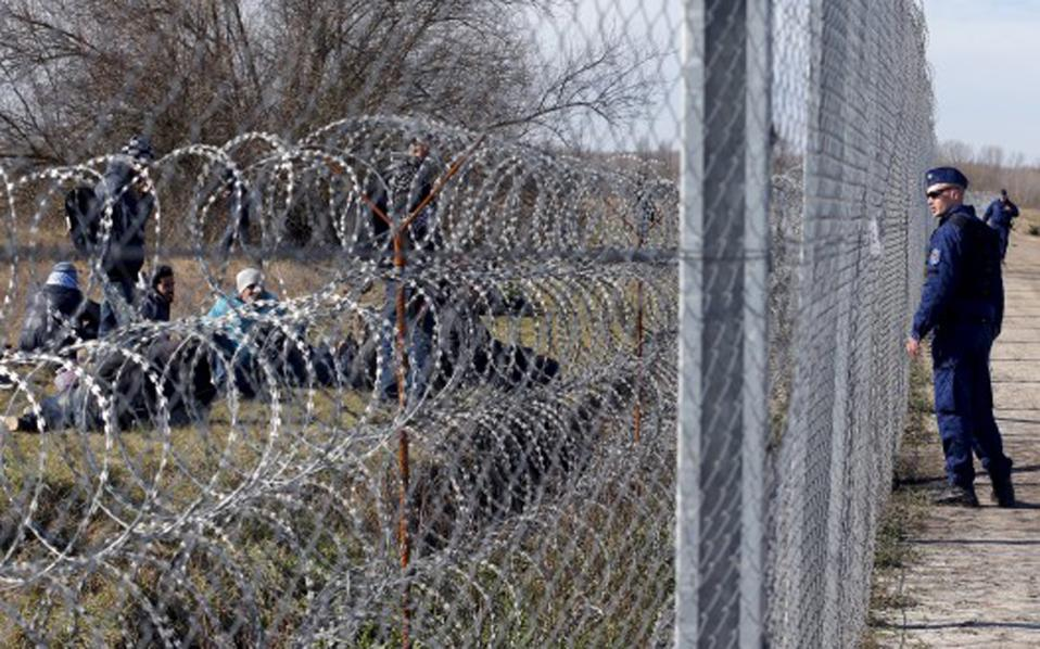 hungary_fence_refugees_527_355-thumb-large