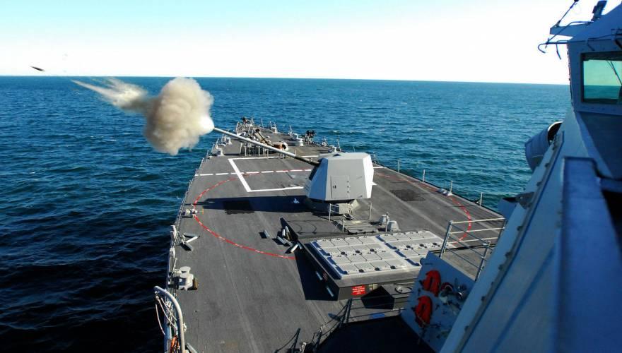 Η Ρωσία θα επιστρέψει αύριο στην Ουκρανία τα τρία πολεμικά σκάφη που είχε καταλάβει, όπως μεταδίδουν τα ρωσικά πρακτορεία ειδήσεων.