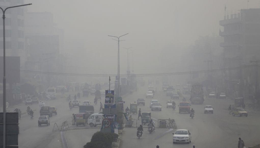 Έρευνα: Απειλή για την υγεία βρεφών και ηλικιωμένων η ατμοσφαιρική ρύπανση