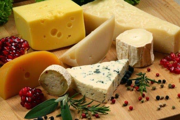 Nέα ευρήματα για την καρδιά – 40 γρ τυριού κάθε μέρα για να μειώσετε τον κίνδυνο για καρδιακή νόσο και εγκεφαλικό επεισόδιο