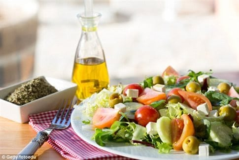 Η μεσογειακή διατροφή εγγύηση για υγιή γήρανση