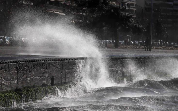 Έκτακτο δελτίο επιδείνωσης του καιρού με καταιγίδες και θυελλώδεις ανέμους