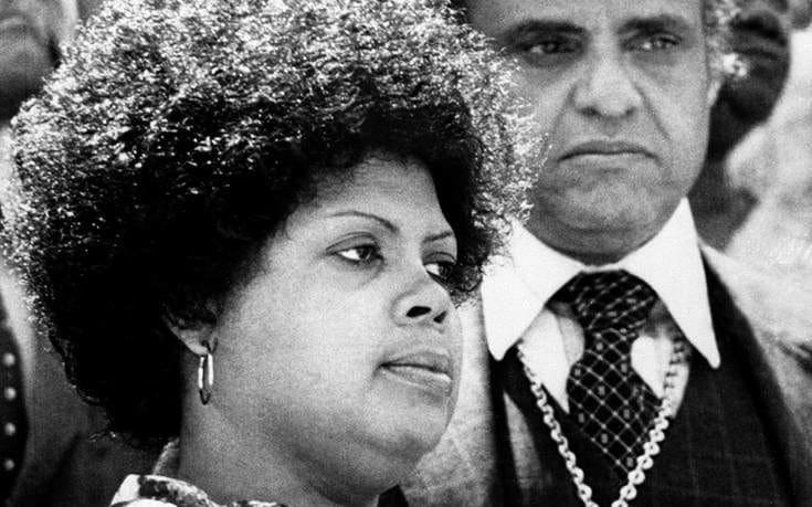 «Έφυγε» η Λίντα Μπράουν, το σύμβολο κατά του φυλετικού διαχωρισμού