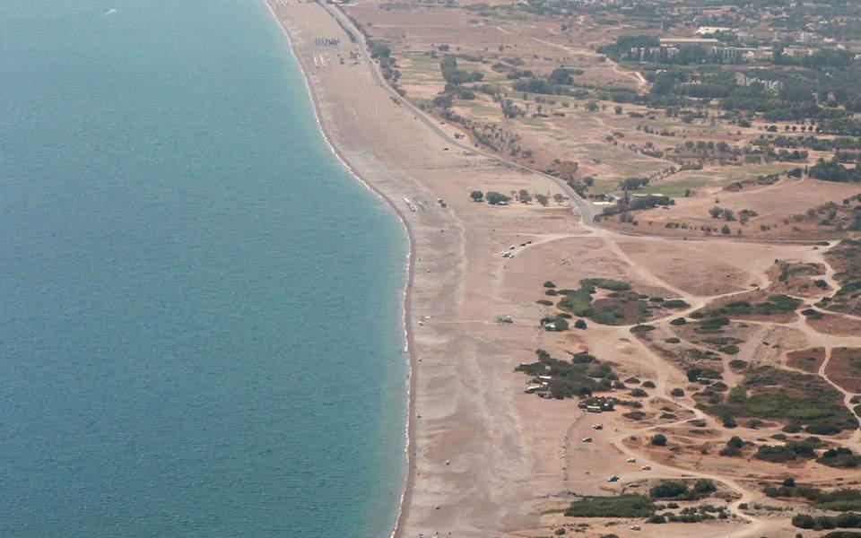 Τα προβλήματα στην παραλία Αφάντου και το ξενοδοχειακό συγκρότημα στα Κολύμπια της Ρόδου