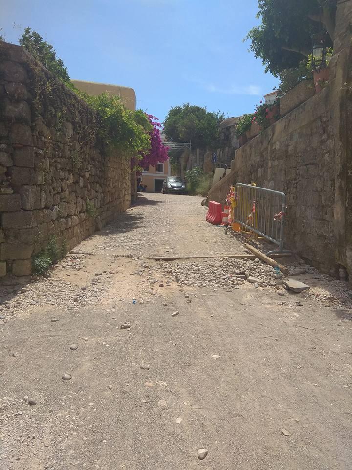 Δεν κράτησε τον λόγο του ο αρμόδιος αντιδήμαρχος – Στα ίδια χάλια η οδός Ομήρου στην Παλιά Πόλη