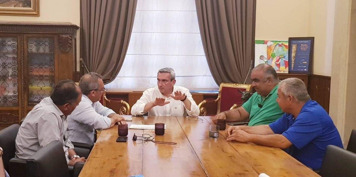 Ο Περιφερειάρχης συγχαίρει και ευχαριστεί τον Σύνδεσμο Ιδιοκτητών Ταξί Ρόδου