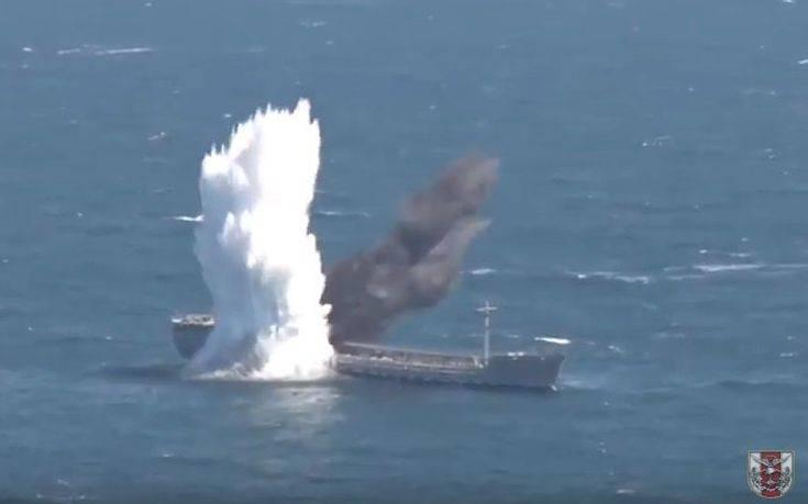 Τουρκικό υποβρύχιο βύθισε με τορπίλη παροπλισμένο πετρελαιοφόρο