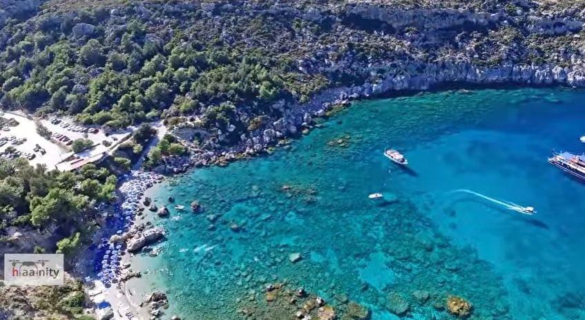 Travelbook: 2 παραλίες της Ρόδου ανάμεσα στις 10 ομορφότερες ελληνικές παραλίες