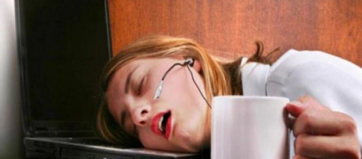 Νιώθετε συνεχώς κούραση, δυσφορία, υπνηλία; Δείτε που μπορεί να οφείλεται αυτό