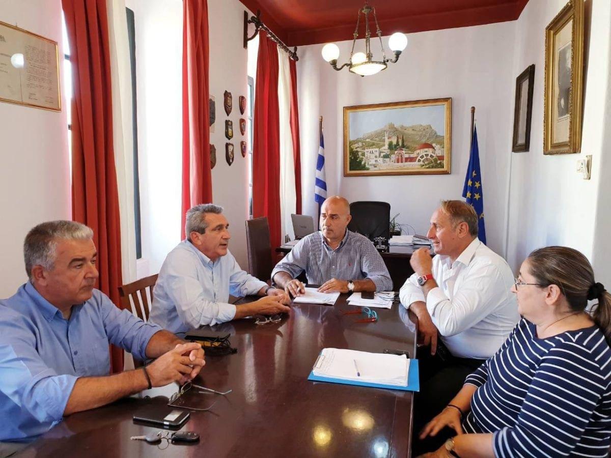Συνάντηση του Περιφερειάρχη, Γιώργου Χατζημάρκου,  με τον Δήμαρχο Λέρου, για την προώθηση των ανοιχτών ζητημάτων του νησιού