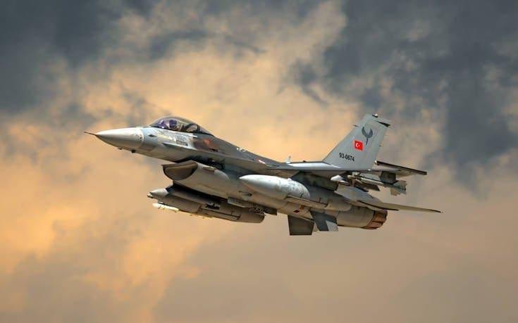 Τουρκικά μαχητικά σε νυχτερινή αερομαχία στη Λέσβο